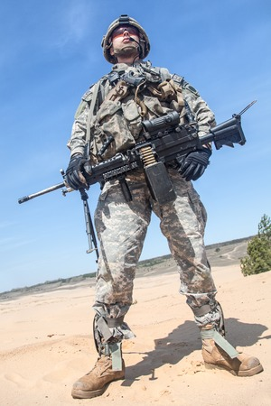 rifleman: United States paratrooper airborne infantry in the desert