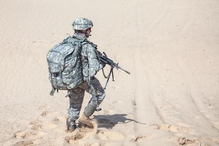 uniformes: Estados Unidos paracaidista infantería aerotransportada en el desierto