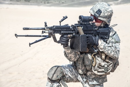 us army: United States paratrooper airborne infantry in the desert
