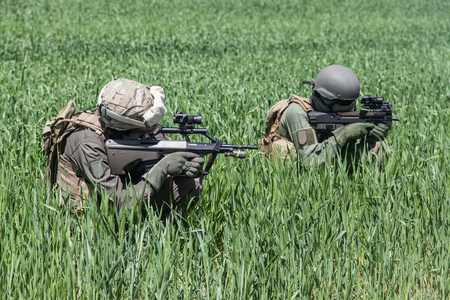 german handgun: Group of jagdkommando soldiers Austrian special forces during the
