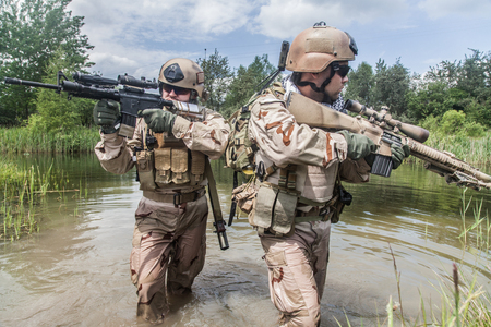 sof: Navy SEALs crossing the river with weapons