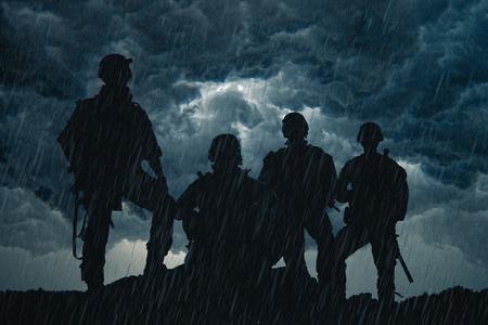 US Army Rangers op de zonsondergang
