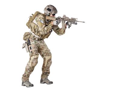 Boinas Verdes del Ejército de EE.UU. Grupo de Fuerzas Especiales estudio soldado tiro Foto de archivo
