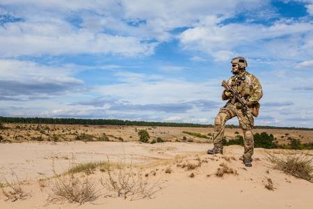 soldado: soldado del Ej�rcito de EE.UU. Boinas Verdes Grupo de Fuerzas Especiales Foto de archivo