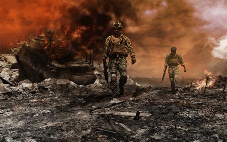 Leden van Navy SEAL Team met wapens in actie