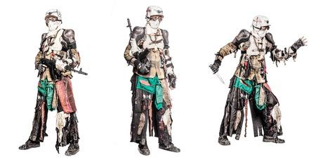 Post-apocalyptisch overlevende schepsel met zelfgemaakte verzameling wapens Stockfoto