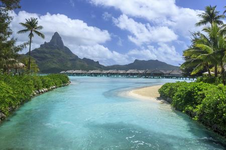 vue sur le motu de montage à Bora Bora, en Polynésie française Banque d'images