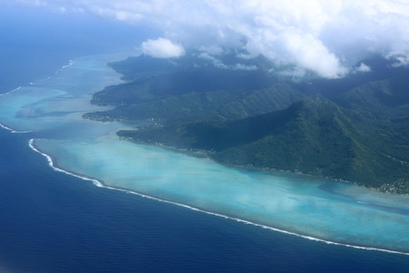 motu: Aerial view of Moorea, French Polynesia