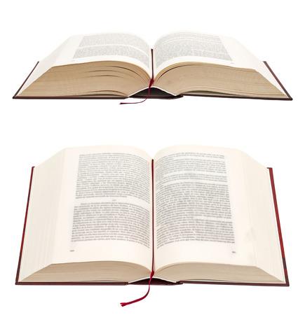 bible ouverte: Ouvrir le livre isol� sur fond blanc. Sainte Bible.