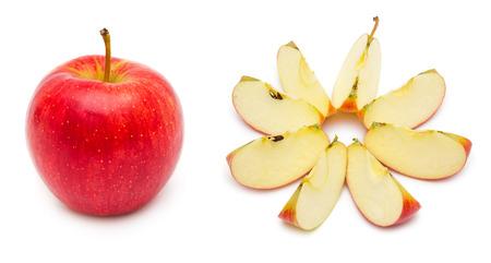 pips: Hele en gesneden rode appel, het tonen pitten, en de kern. Geïsoleerd op witte achtergrond.