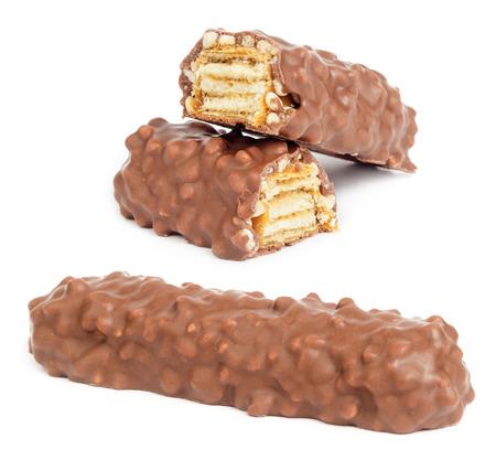 흰색 배경에 고립 된 캐 러 멜 초콜릿 에너지 바 스톡 콘텐츠