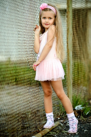 portrait of little girl in a pink tutu 스톡 콘텐츠
