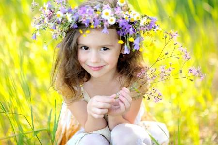 Retrato de la niña al aire libre en verano Foto de archivo - 14186496