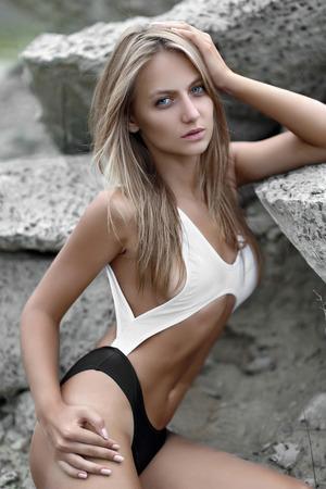 junge nackte m�dchen: Portr�t einer sch�nen jungen Modell, sexy M�dchen