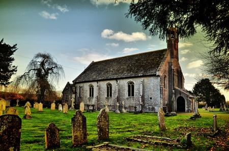 Holdenhurst 마을의 교회