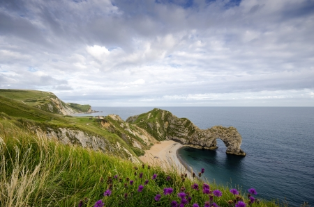 Durdle Door a natural limestone arch on Dorset s Jurassic Coastline Stock Photo - 16881571