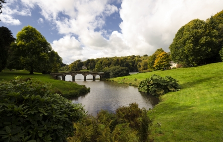 stourhead: Bridge at Stourhead in Wiltshire