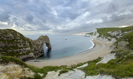 durdle: Durdle Door a natural limestone arch on the Jurassic Coast in Dorset