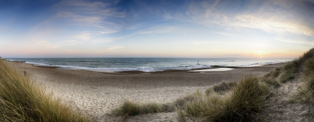 head in the sand: The beach and sand dunes at Hengistbury Head near Bournemouth in Dorset