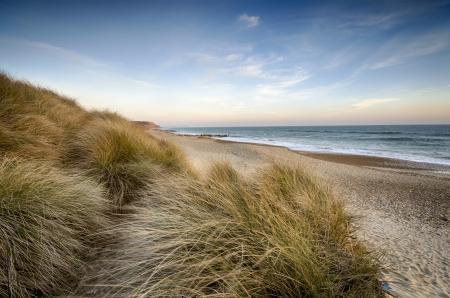 도싯 본머스 근처 Hengistbury 헤드의 해변과 모래 언덕