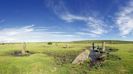 steencirkel: De Nine Stones van Altarnun een geïsoleerde stenen cirkel op Bodmin Moor in Cornwall