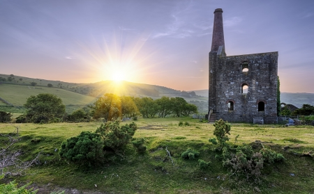 bodmin: An historic ruined tin mine at the Minions on Bodmin Moor in Cornwall