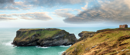 steep cliffs: Steep cliffs at Tintagel on the north coast of Cornwall