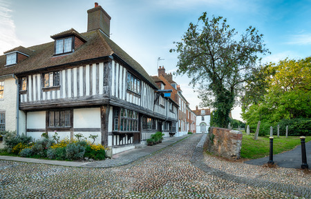 tudor: Cobblestone streets andhalf timbered Tudor houses in Rye, East Sussex