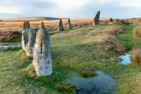 steencirkel: Staande stenen op de Scorhill stenen cirkel op Dartmoor National Park in Devon