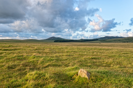 willy: High grassy plains on Bodmin Moor in Cornwall with the hills of Roughtor and Brown Willy in the distance