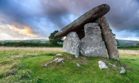 neolithic: Trethevy Quoit under a moody sky on Bodmin Moor in Cornwall, an impressive Neolithic dolmen burial chamber that stands nearly nine feet tall Stock Photo