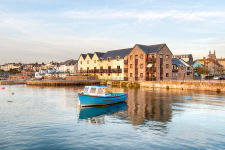 plymouth: Early evening light at Stonehouse in Plymouth Stock Photo