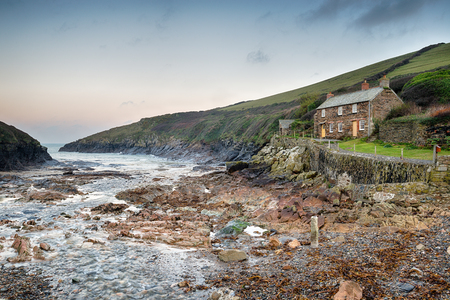 quin: Winter at Port Quin on the north coast of Cornwall Stock Photo