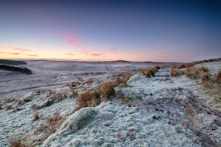 moor: Sunrise over frosty winter moorland on Bodmin Moor in Cornwall
