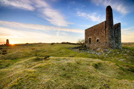 bodmin: An old abandoned engine house left over from copper mining at Minions on Bodmin Moor in Cornwall