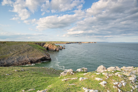 pembrokeshire: The Pembrokeshire coast path between St Govans Head and Stackpole in Wales Stock Photo