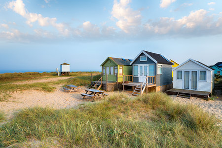 beach huts: Beach huts in sand dunes on Mudeford Spit near Christchurch on the Dorset coast
