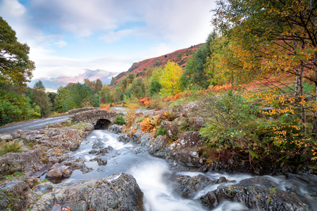 cumbria: Water flowing under Ashness Bridge near Keswick in the Lake District