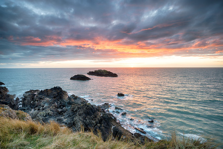 ynys: Beautiful sunset from Llanddwyn island on Anglesey in north Wales