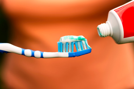 to brush teeth 版權商用圖片