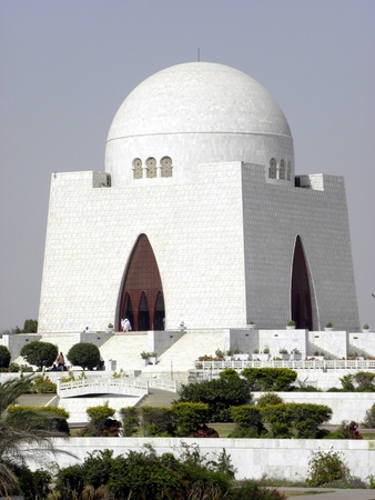 karachi: PAKISTANKARACHI_MAZAR-E-QUAID THE NATIONAL MAUSOLEAM IN KARACHI PAKISTAN IS THE TOMB OF THE FOUNDER OF PAKISTAN MHHAMMAD ALI JINNAH THE MAUSOLEAM WAS COMPLETED IN THE 1960 AND IS LOCTED IN THE CENTER OF KARACHI TODAY ON WEDNESDAY 2 MAY 2012