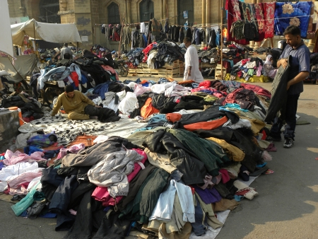 KARACHI PAKISTAN_PEOPLE COME TOWARDS MARKETS TO BUY WARM CLOTHS BLANKETS IN CHEAP PRICES HERE ON MONDAY 25 NOVENBER 2013  SADDAR BAZAR KARACHI