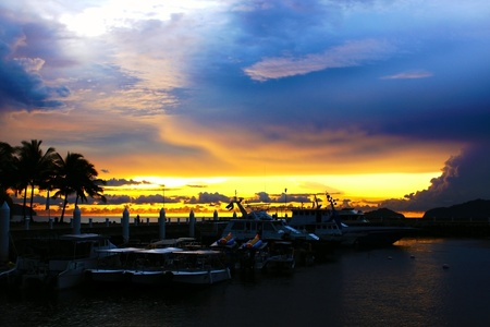 Sunset scenary at Marina Jetty Sutera Harbour photo