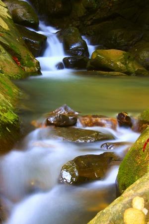 inspiratie: Kionsom waterval, Inanam, Kota Kinabalu, Sabah, Maleisië