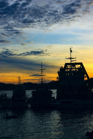 Beutiful sunset at Sepanggar Port, Sepanggar, Kota Kinabalu, Sabah Stock Photo - 11053086