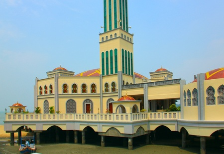 pulau: Floating mosque at Tanjung Bungah, Pulau Pinang, Malaysia