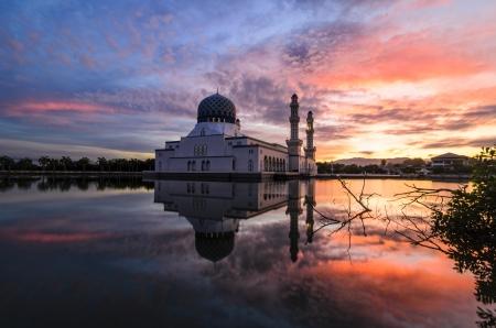 likas: Bandaraya Mosque in Kota Kinabalu, Sabah, Malaysia Stock Photo