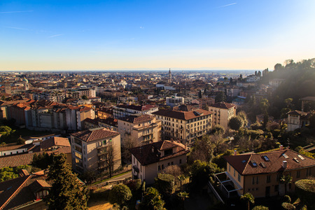 milánó: The sun goes down on the city of Bergamo, Italy Stock fotó