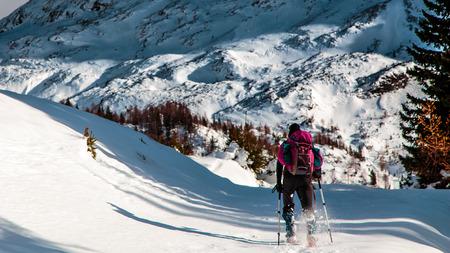 giornata invernale nelle Alpi italiane dopo una nevicata