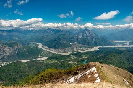 Reaching the top of a mountain in the Carnic Alps, Friuli-Venezia Giulia, Italy 版權商用圖片